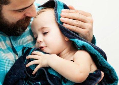 pelukan orang tua