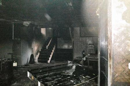 rumah uje terbakar